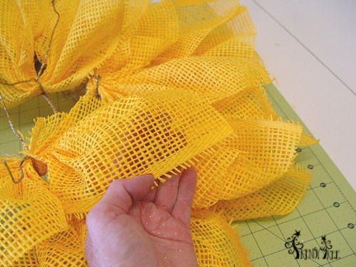 burlap wreath tutorial with three colors